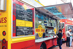 Young People Food Trucks Los Angeles
